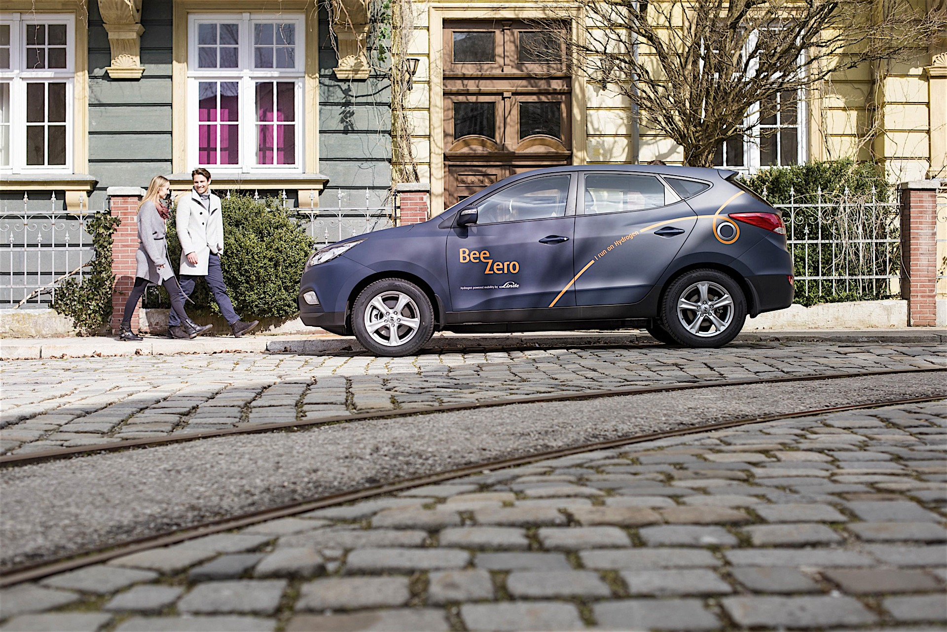 Hyundai Provides World\'s First Fuel Cell Vehicle Sharing Service ...