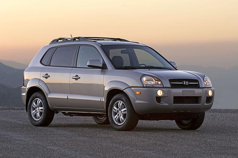 Hyundai Tucson photo & Hyundai Reclining Seat Kills Teen Carmaker to Pay $1.8M Damages ... islam-shia.org