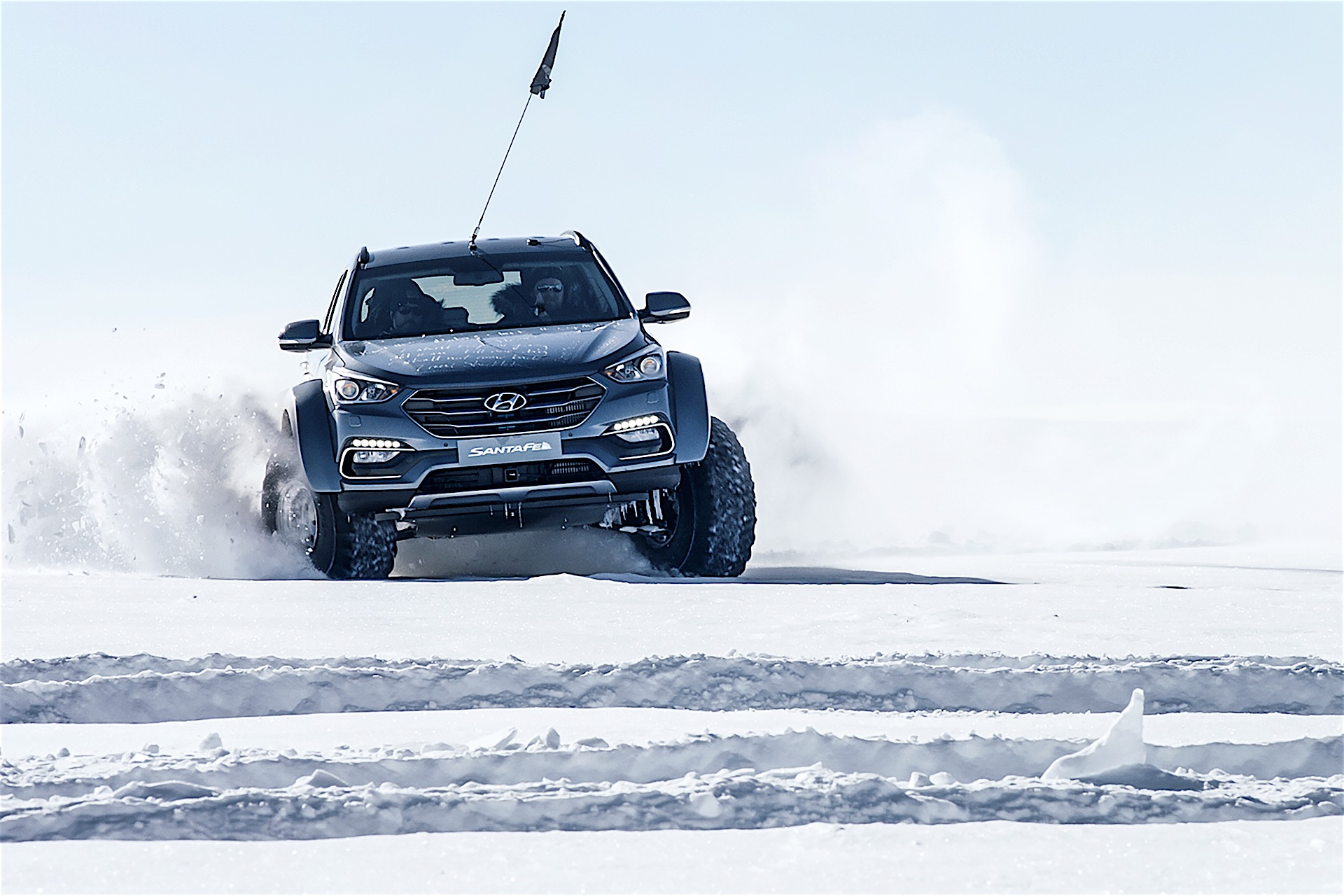 Hyundai expedition celebrates Shackleton centenary