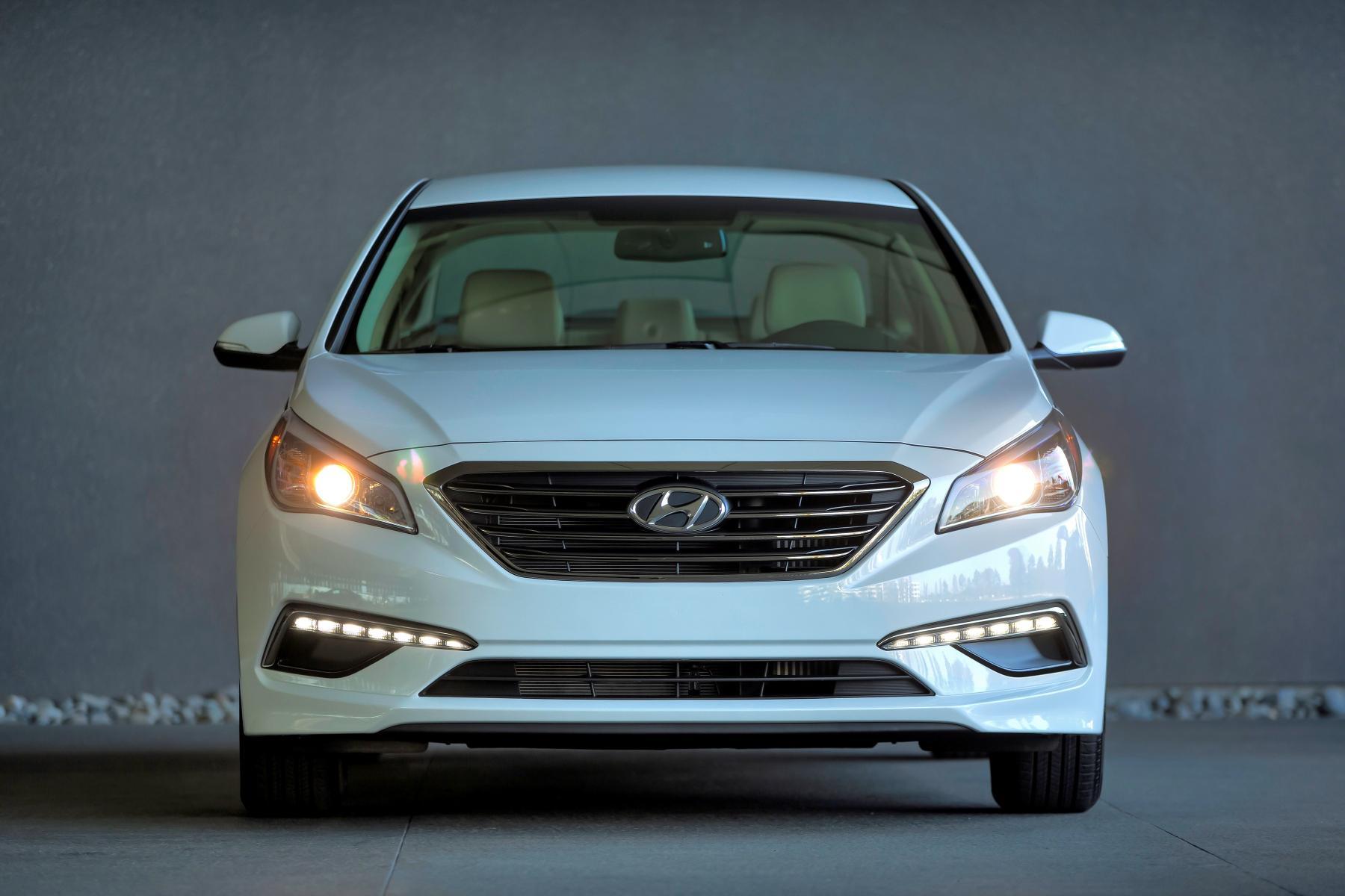 Hyundai Sonata Eco Returns 38 MPG Highway - autoevolution