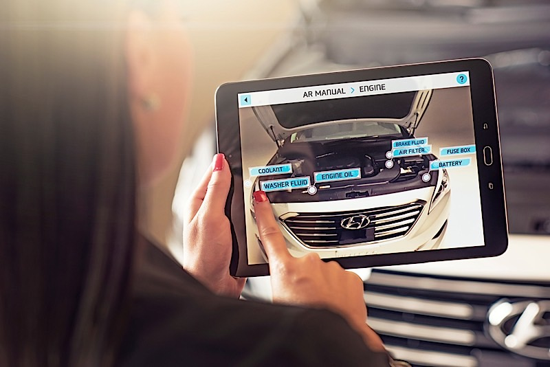 hyundai to introduce augmented reality to owner s manual autoevolution rh autoevolution com hyundai i10 user manual hyundai owners manual canada