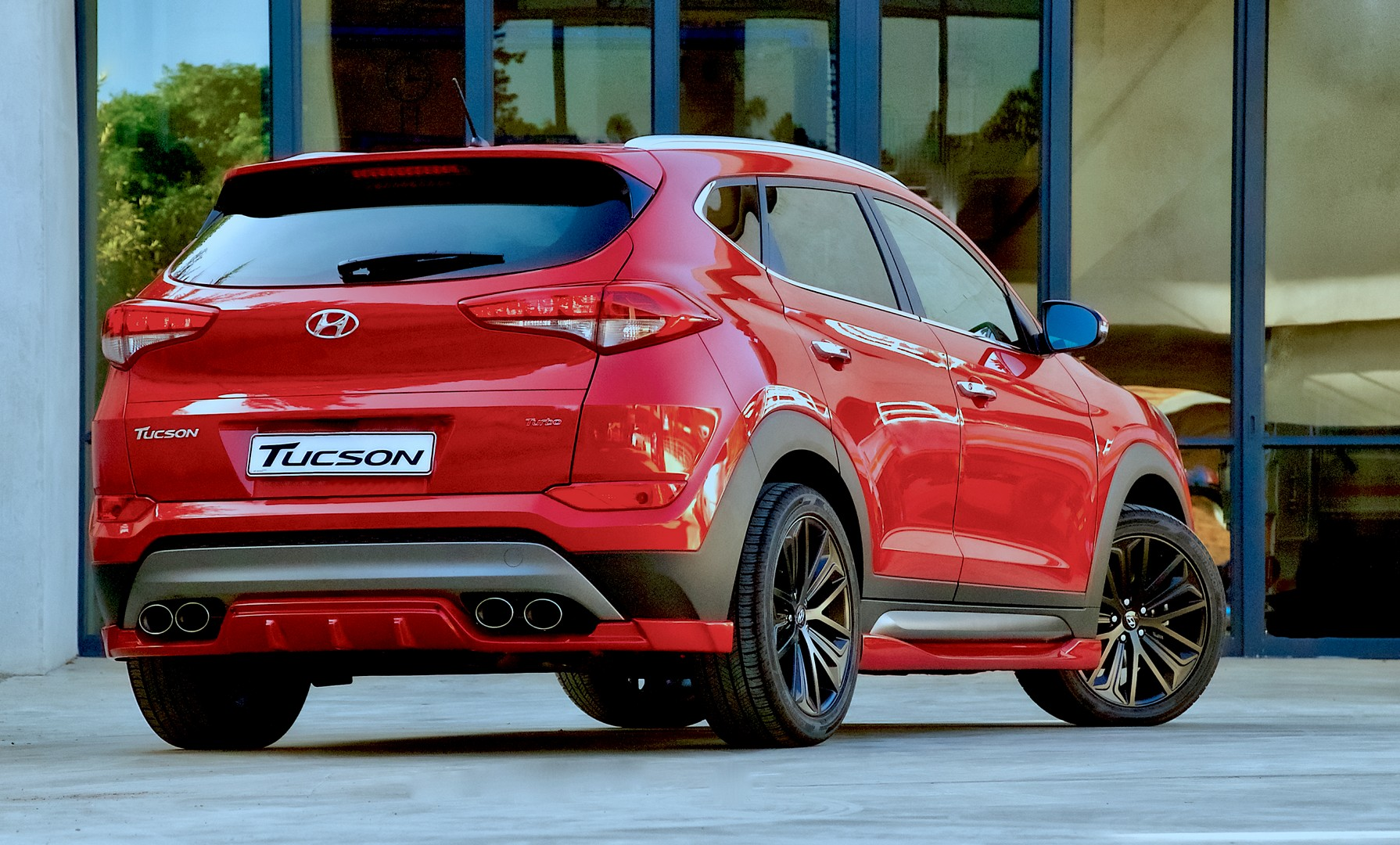 Hyundai Tucson Sport Has Body Kit Quad Pipes And 204 Hp 1