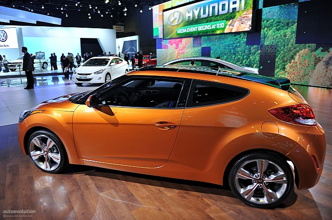 Hyundai Veloster Could Grow an Extra Door - autoevolution