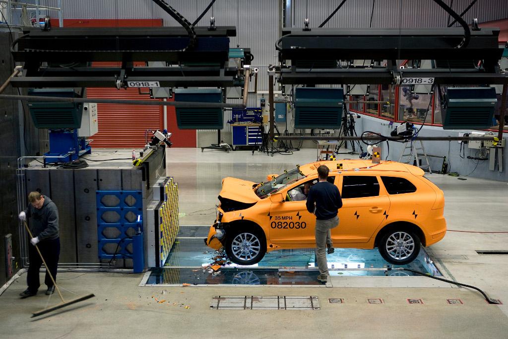 Volvo Crash Test Laboratory  Behind the Scenes  autoevolution