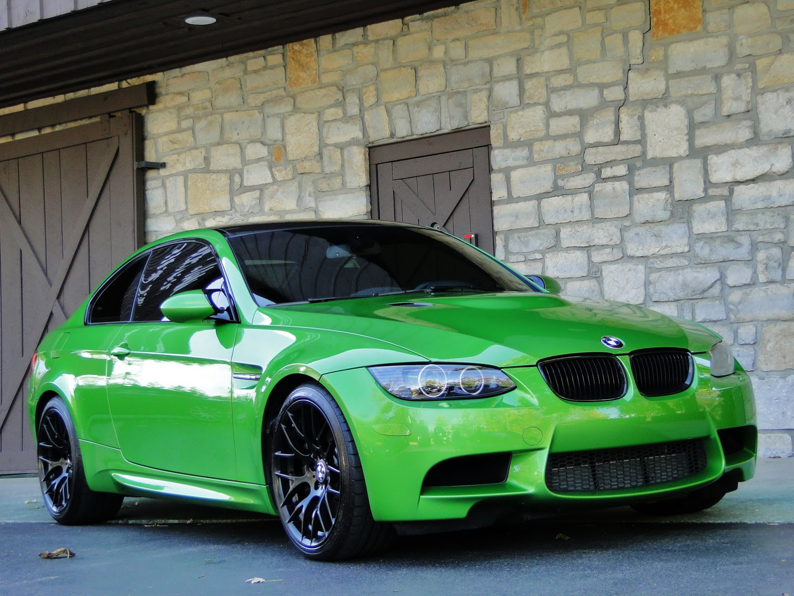 individual java green bmw e92 m3 up for sale autoevolution. Black Bedroom Furniture Sets. Home Design Ideas
