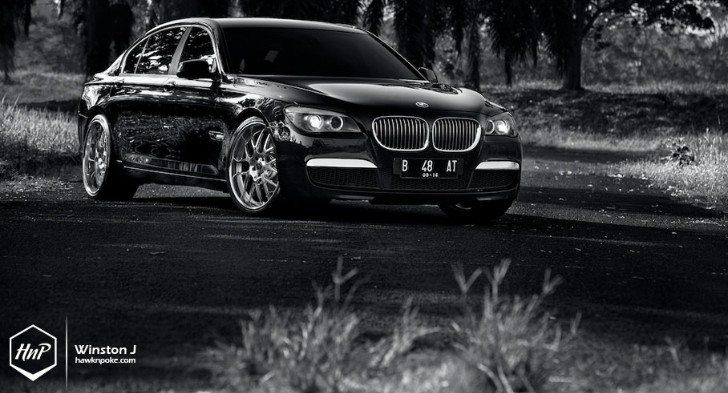 Indonesian BMW 7 Series Rides on Vorsteiner [Photo Gallery]