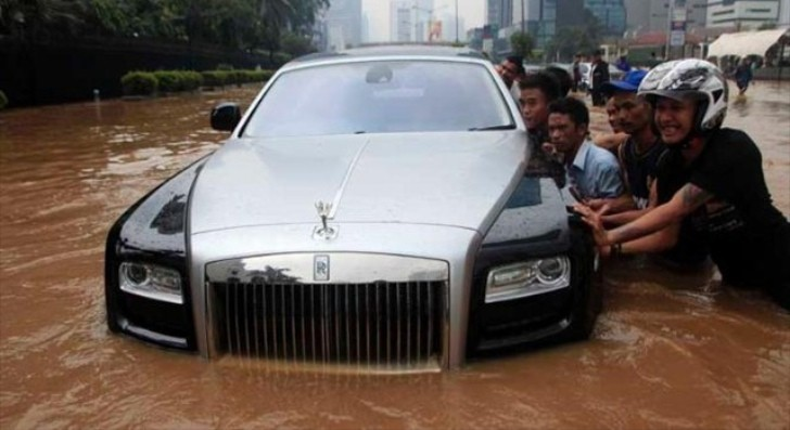 Indonesian Flood Messes Up a Rolls Royce