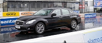 Infiniti M35h Sets New Quarter Mile World Record