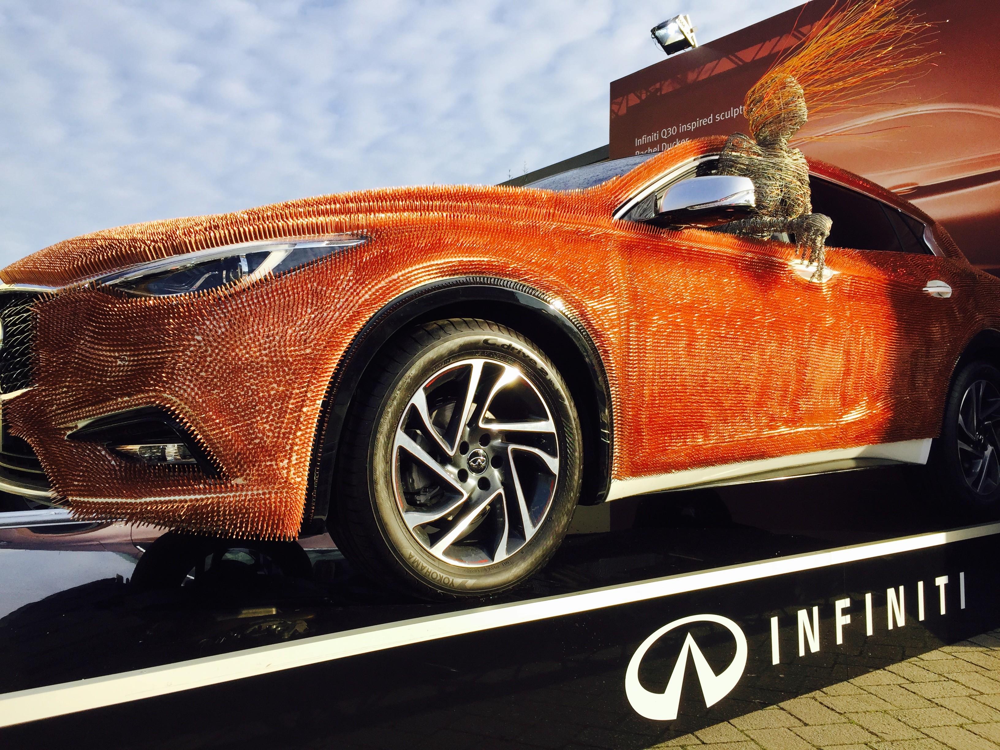 infiniti makes an impression at the london art fair with q30 car art autoevolution. Black Bedroom Furniture Sets. Home Design Ideas