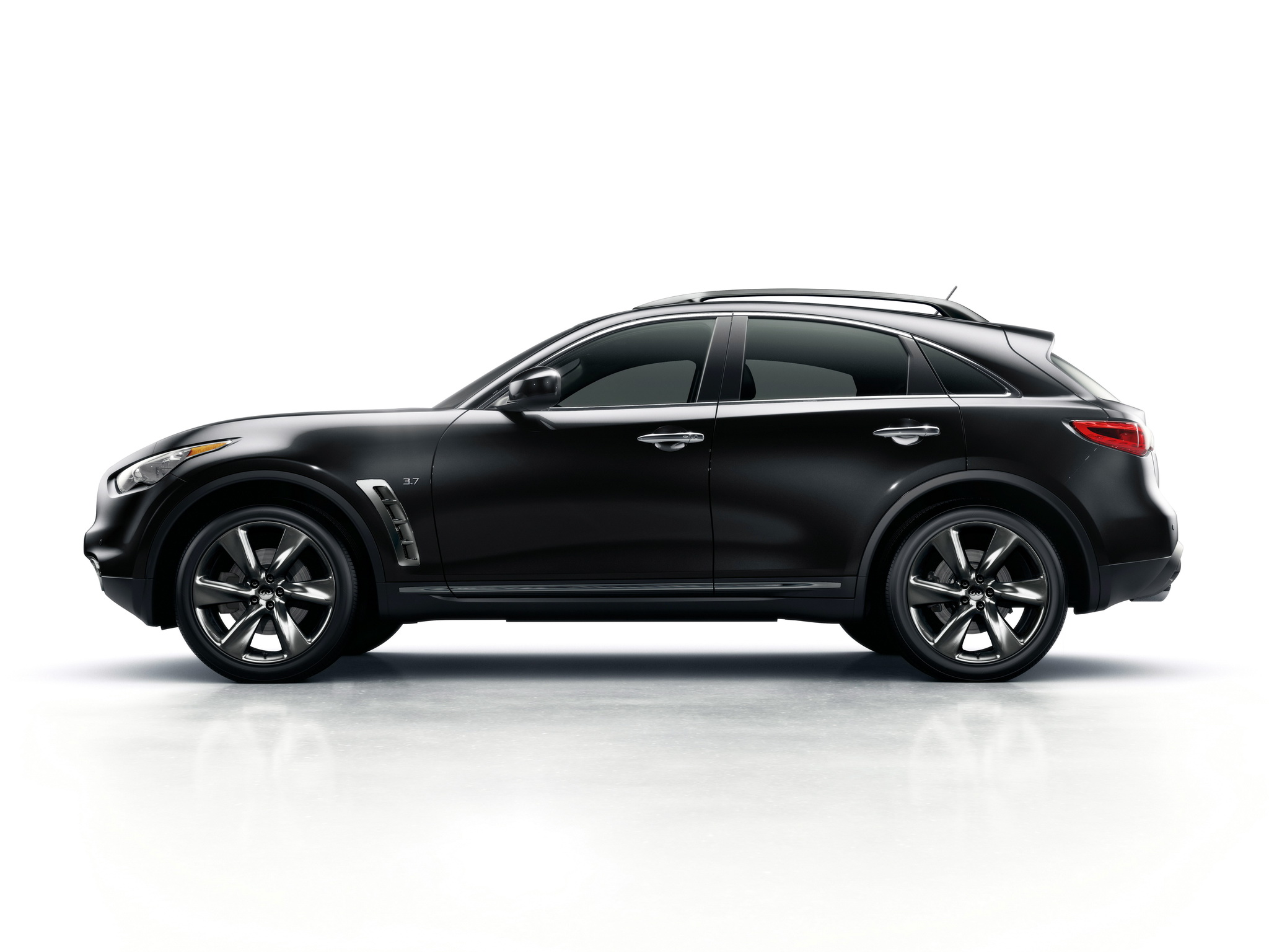 infiniti qx70 discontinued  replacement expected in 2021 or 2022