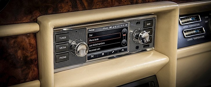 Cool Infotainment System for Classic Cars Now Offered by Jaguar Land Rover