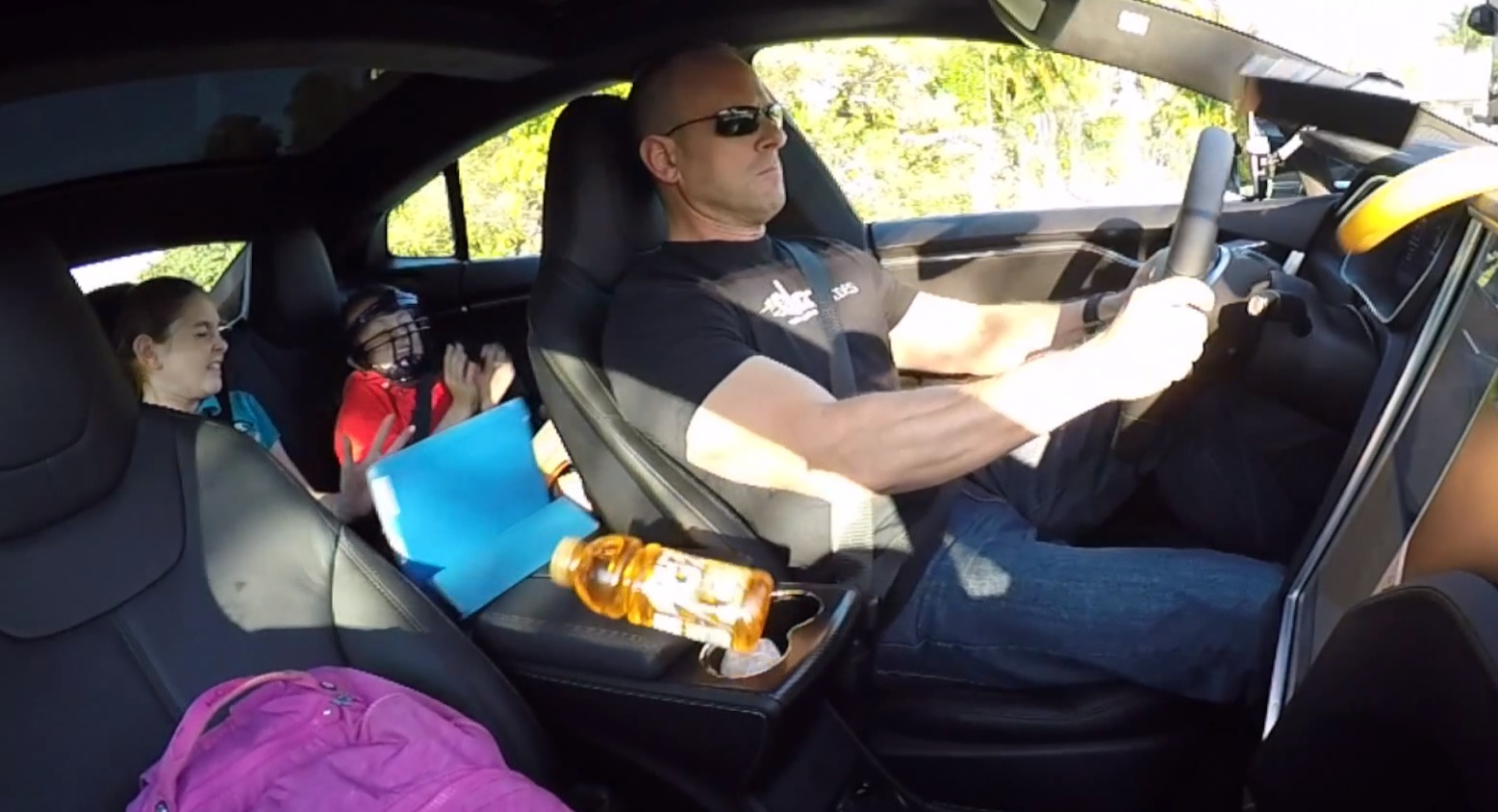 Insane P85D Acceleration Sends Items Flying Though the Tesla\'s Cabin ...