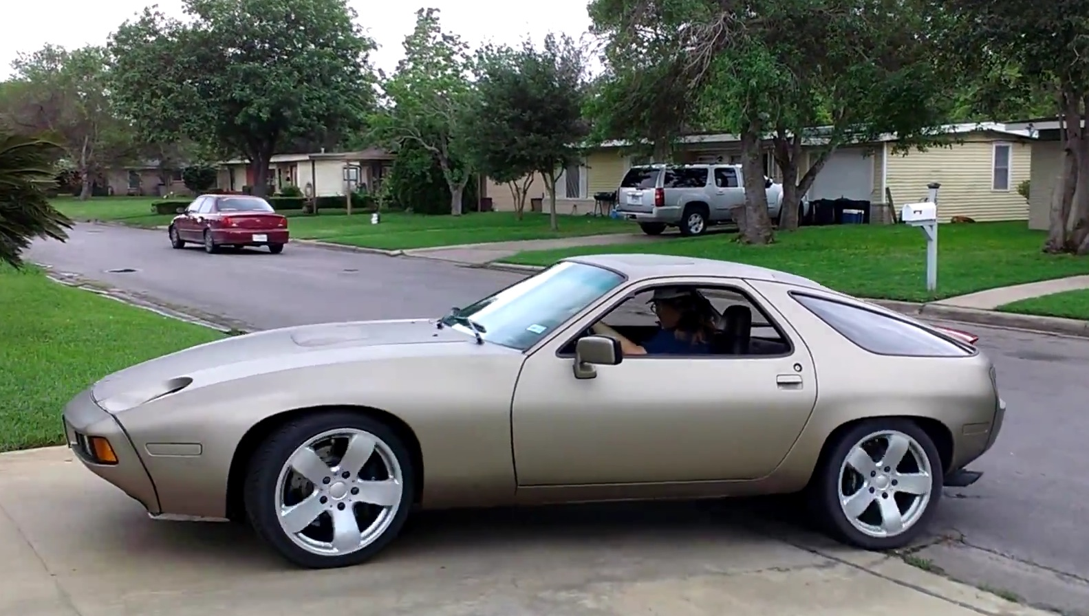 Intercontinental Engine Swap Porsche 928 With Rare Toyota