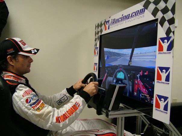 INMERSIÓN EN LOS SIMULADORES Iracing-simulators-for-nascar-hall-of-fame-guests-12689_1