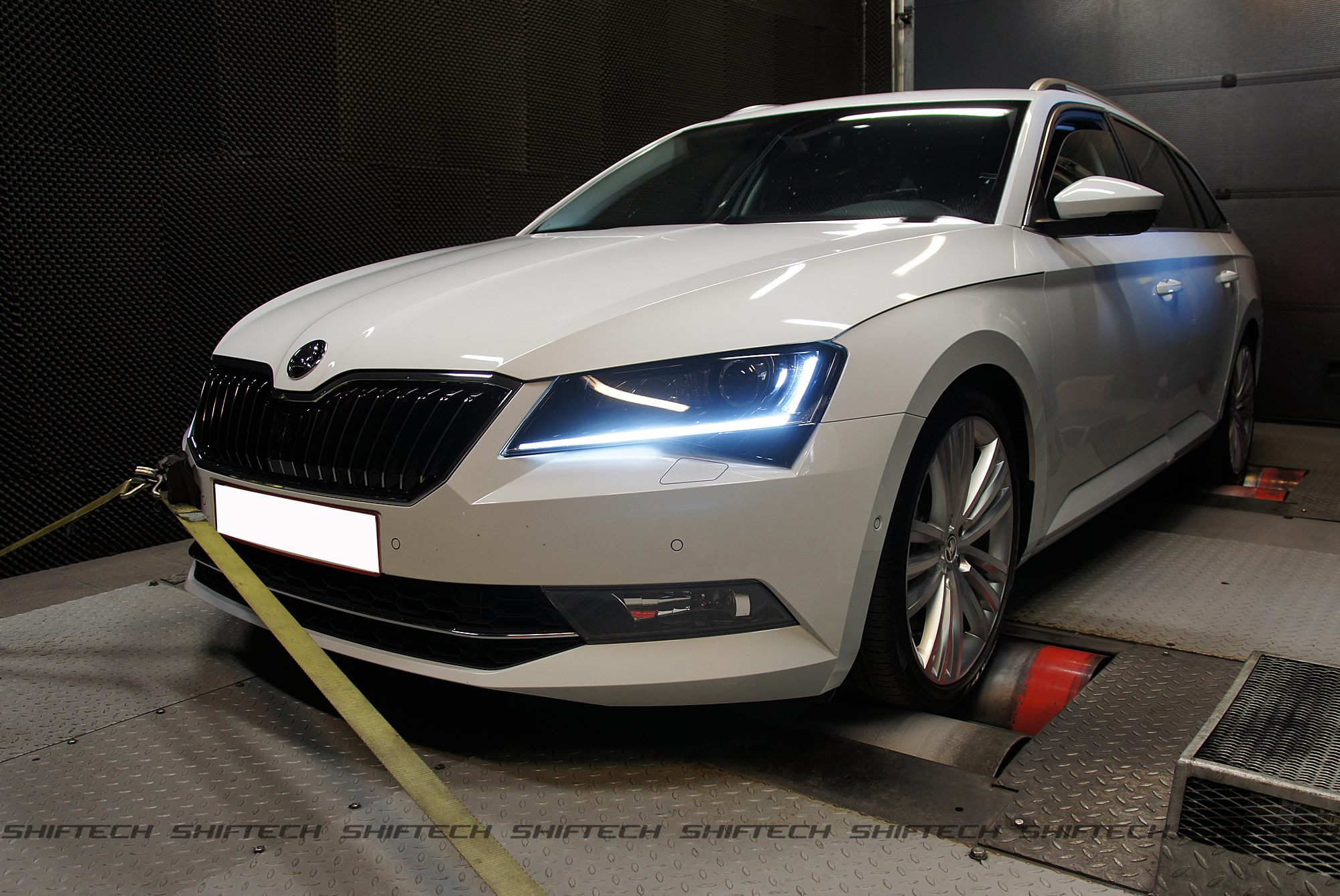 Is A Tuned Skoda Superb With 353 Hp As Cool As The Audi S4