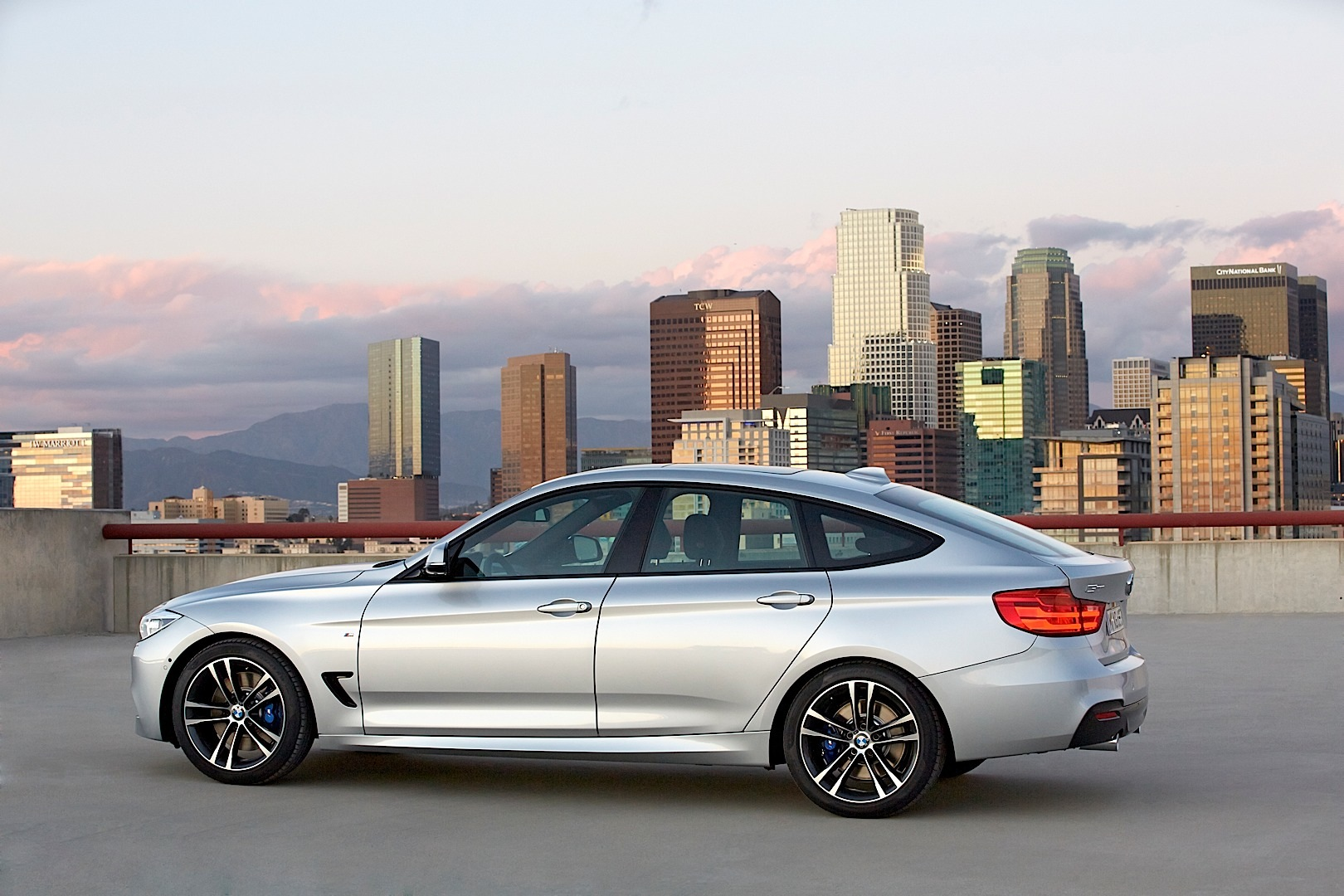 Its official the new bmw 3 series gran turismo revealed bmw f34 3 series gt freerunsca Image collections