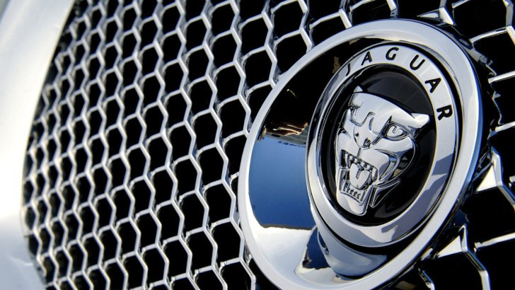 Jaguar Execs Are Pondering Crossover Daily