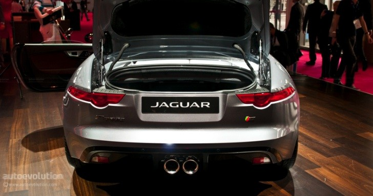 Jaguar F-Type Exhaust Tips Are Made in Italy