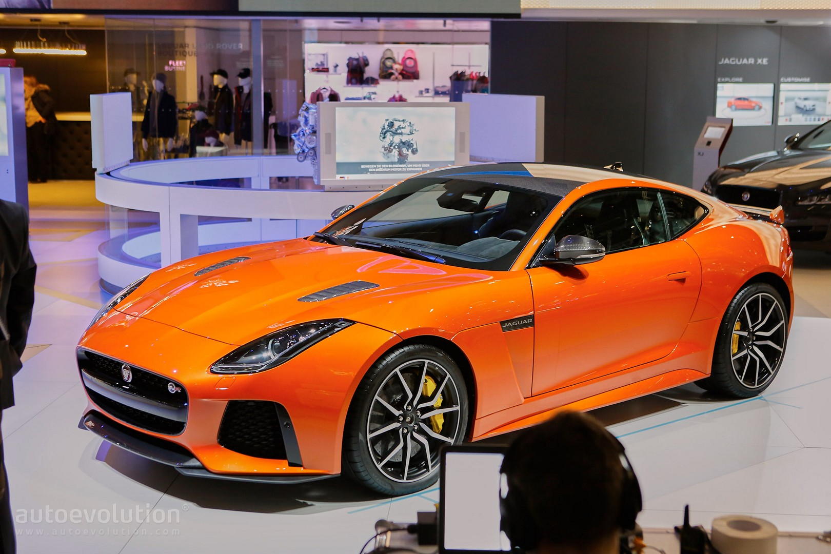jaguar f type svr coupe and convertible show the true power of the v8 in geneva autoevolution. Black Bedroom Furniture Sets. Home Design Ideas