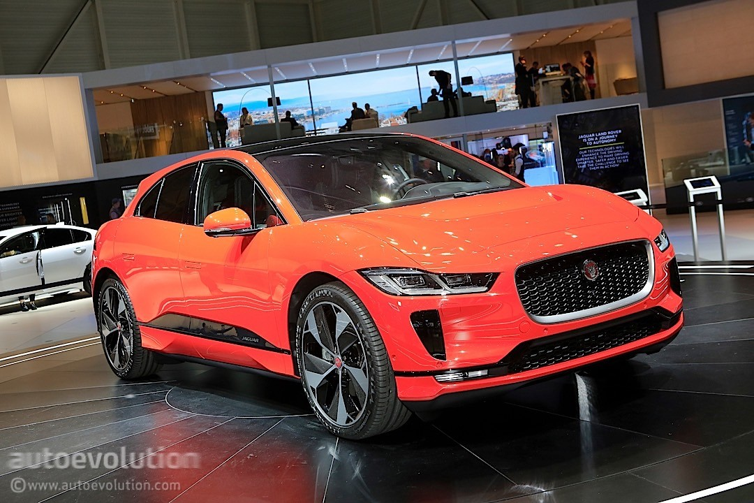 jaguar i pace goes stealth on the the monaco grand prix circuit autoevolution. Black Bedroom Furniture Sets. Home Design Ideas