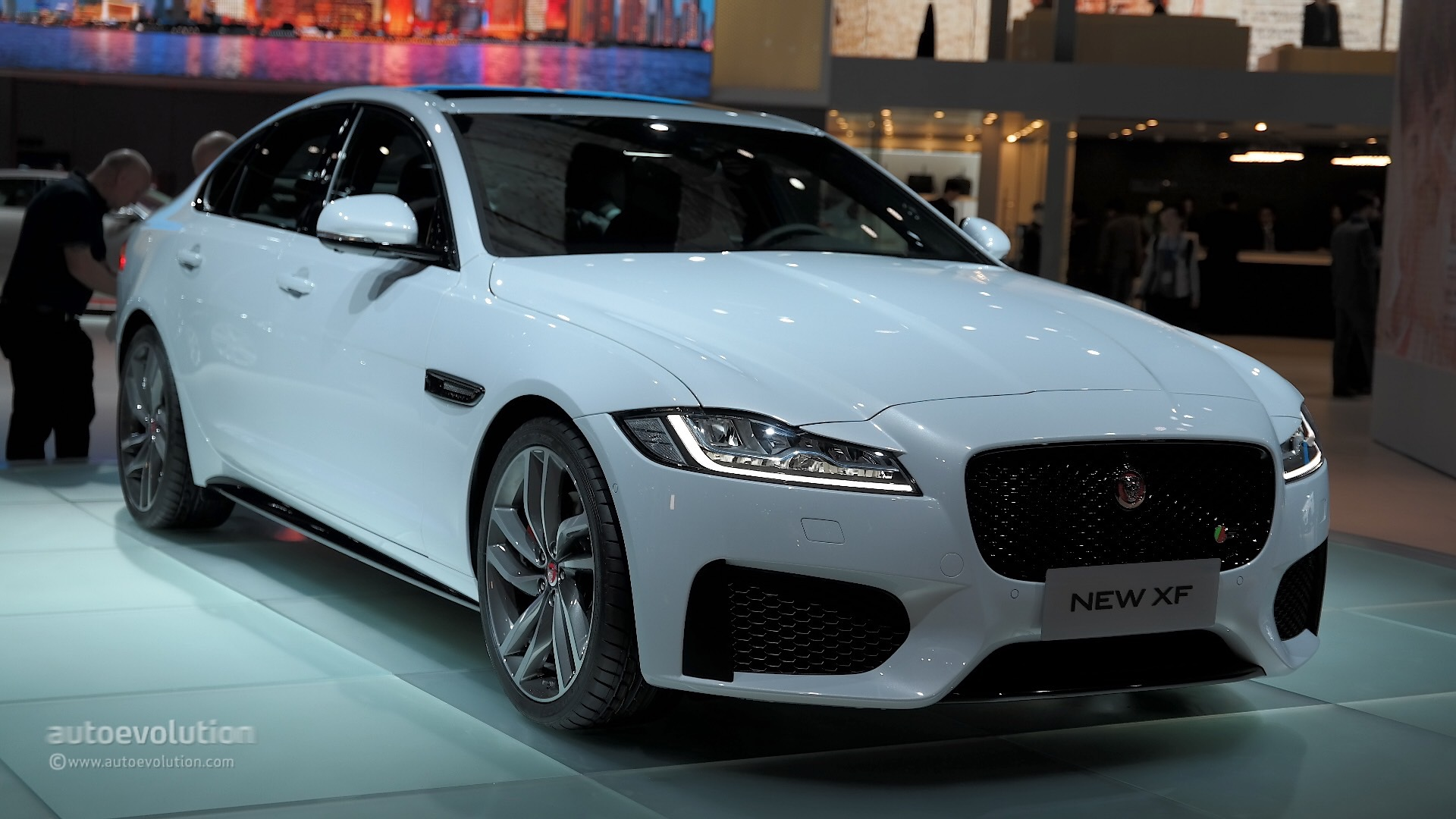 New Wave Auto >> Jaguar XF Claims a Piece of the Chinese Auto Market in Shanghai - autoevolution