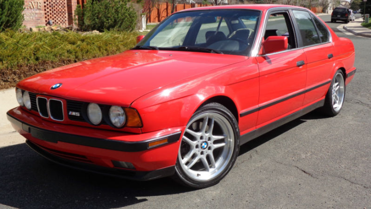 Jalopnik Helps You Pick a BMW E34 M5