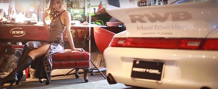 Japanese Race Queens Posing For Army Girl Rauh Welt