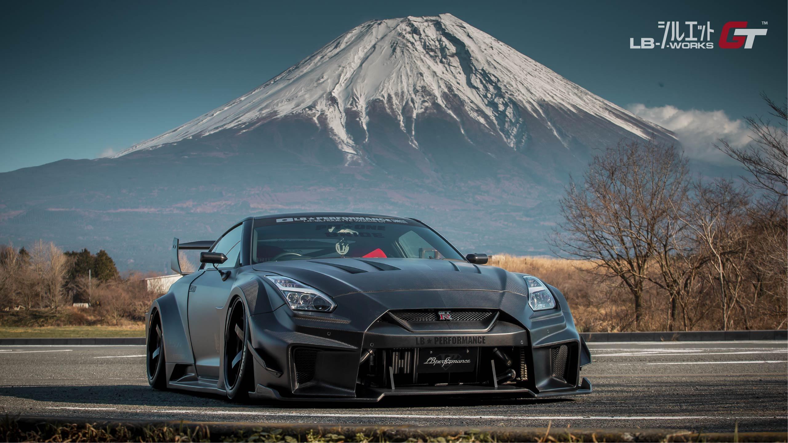 Liberty Walk Reveals Super Wide Nissan Gt R Silhouette Body Kit Autoevolution