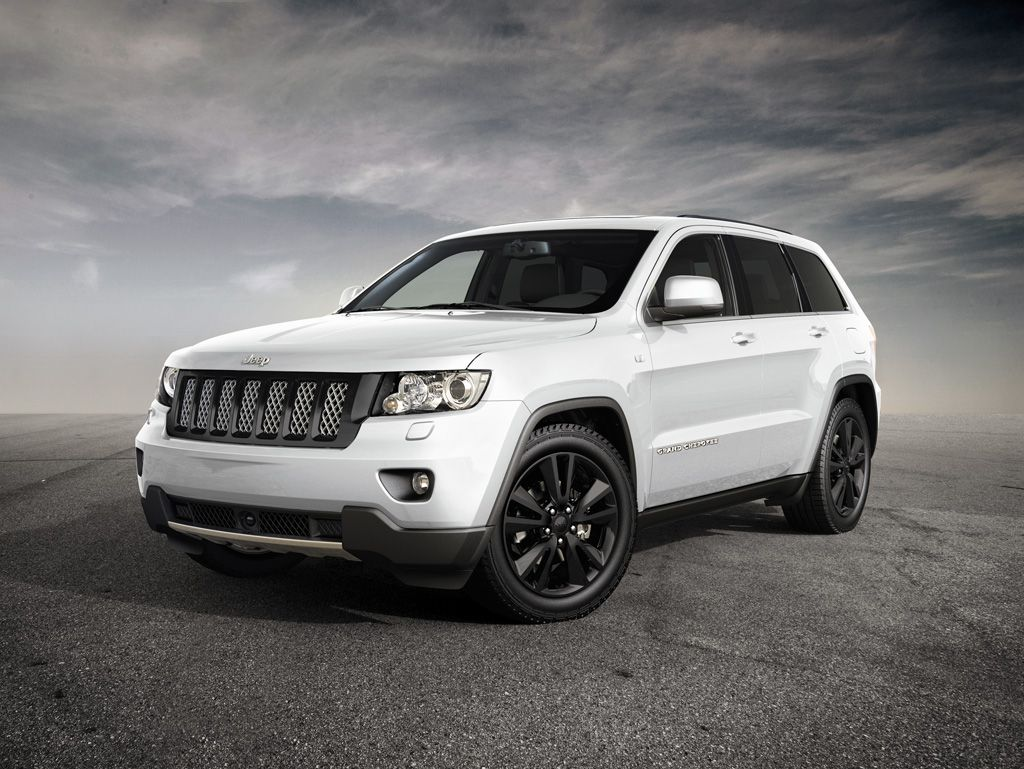 jeep grand cherokee sports concept coming to geneva autoevolution. Black Bedroom Furniture Sets. Home Design Ideas