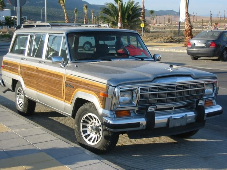 Jeep Grand Wagoneer Coming Back as Seven-Seat SUV?