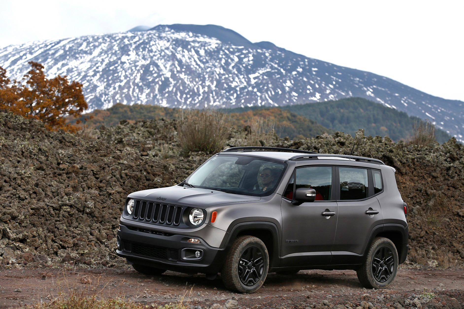 Jeep Renegade Receives Night Eagle Special Edition autoevolution