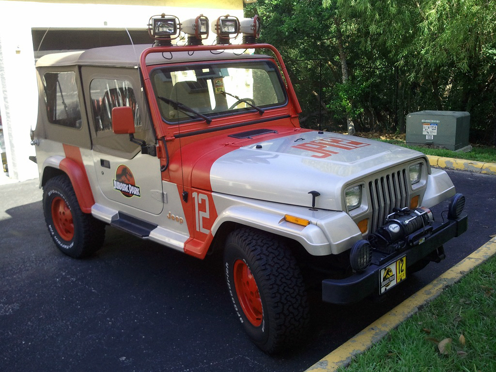 jeep wrangler sahara jurassic park replica sells for 9k on ebay autoevolution. Black Bedroom Furniture Sets. Home Design Ideas