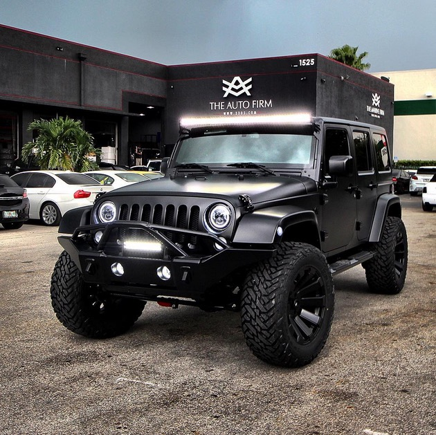 Jeep Wrangler with Satin Black Cover Is a Beast in Disguise ...