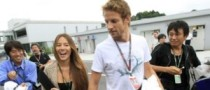 Jenson Button Breaks Up with Jessica Michibata
