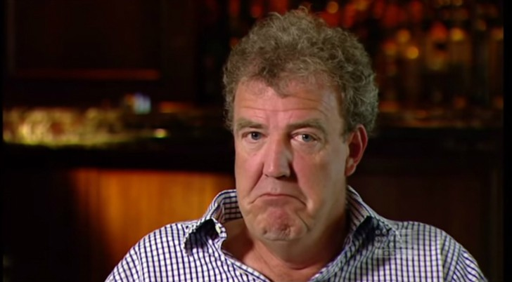 jeremy clarkson punched producer may and hammond stopped him from punching again autoevolution. Black Bedroom Furniture Sets. Home Design Ideas