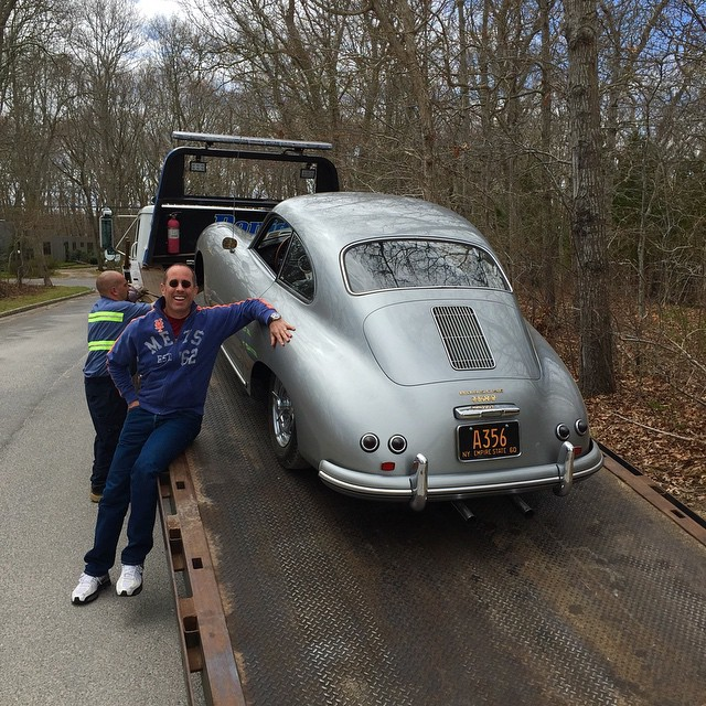 Jerry Seinfeld Has A Porsche 356 Towed Away While Filming
