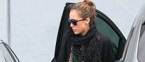Jessica Alba Falls in Love with an Audi Q7