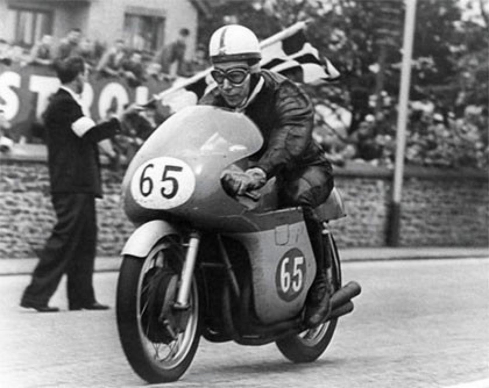 john-surtees-awarded-cbe-honors-still-not-a-knight-despite-being-a-living-racing-legend-103389_1.jpg