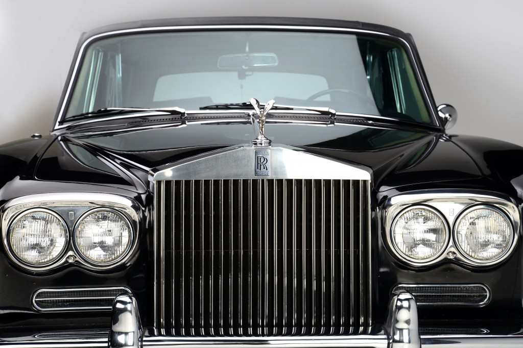 Johnny cash s rolls royce silver shadow up for grabs for Newspaper wallpaper for sale