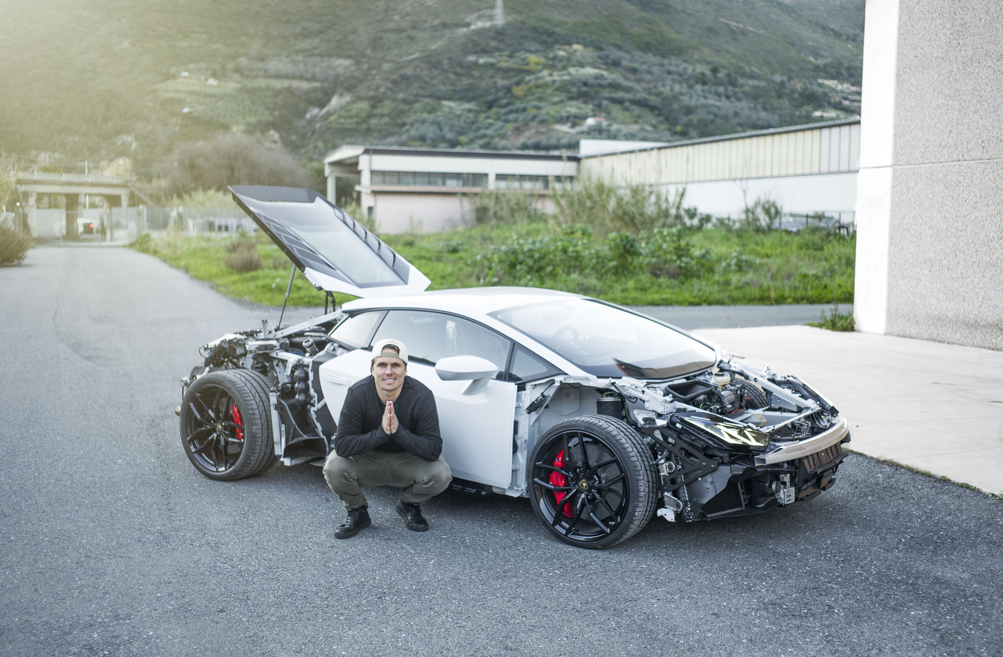 jon olsson 39 s lamborghini huracan loses body panels prepares for carbon bodykit autoevolution. Black Bedroom Furniture Sets. Home Design Ideas