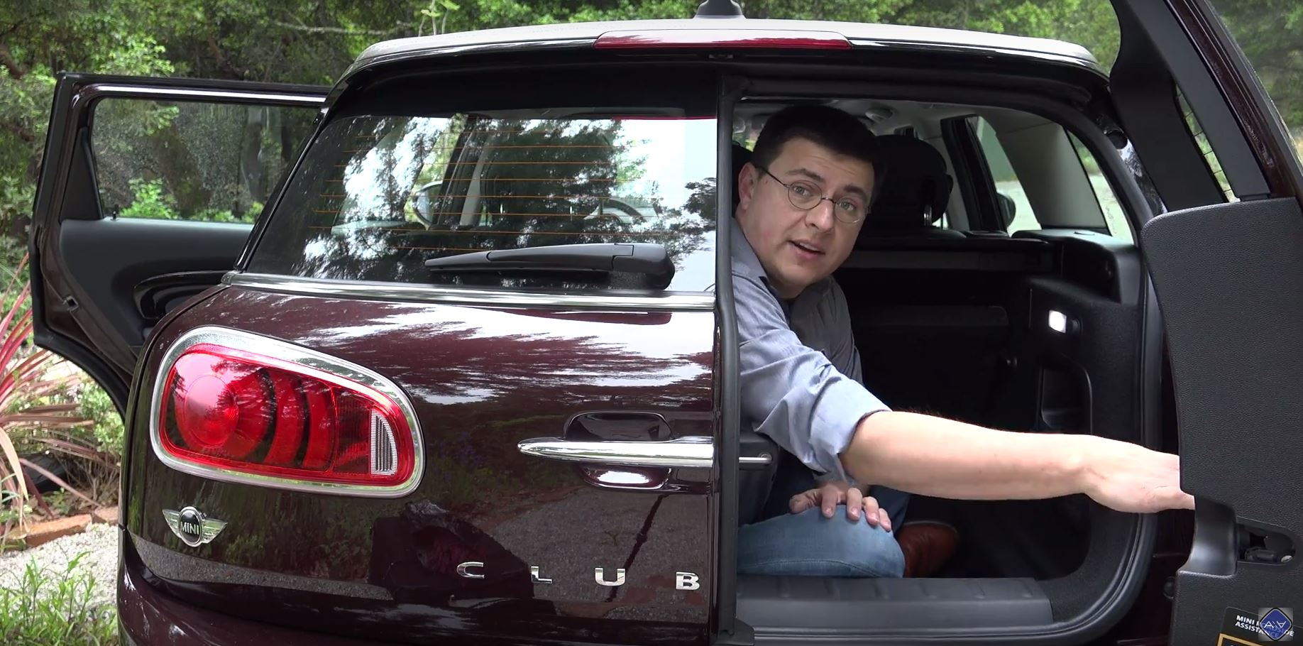 Journalist Locks Himself In Mini Clubman Trunk So You Dont Have To