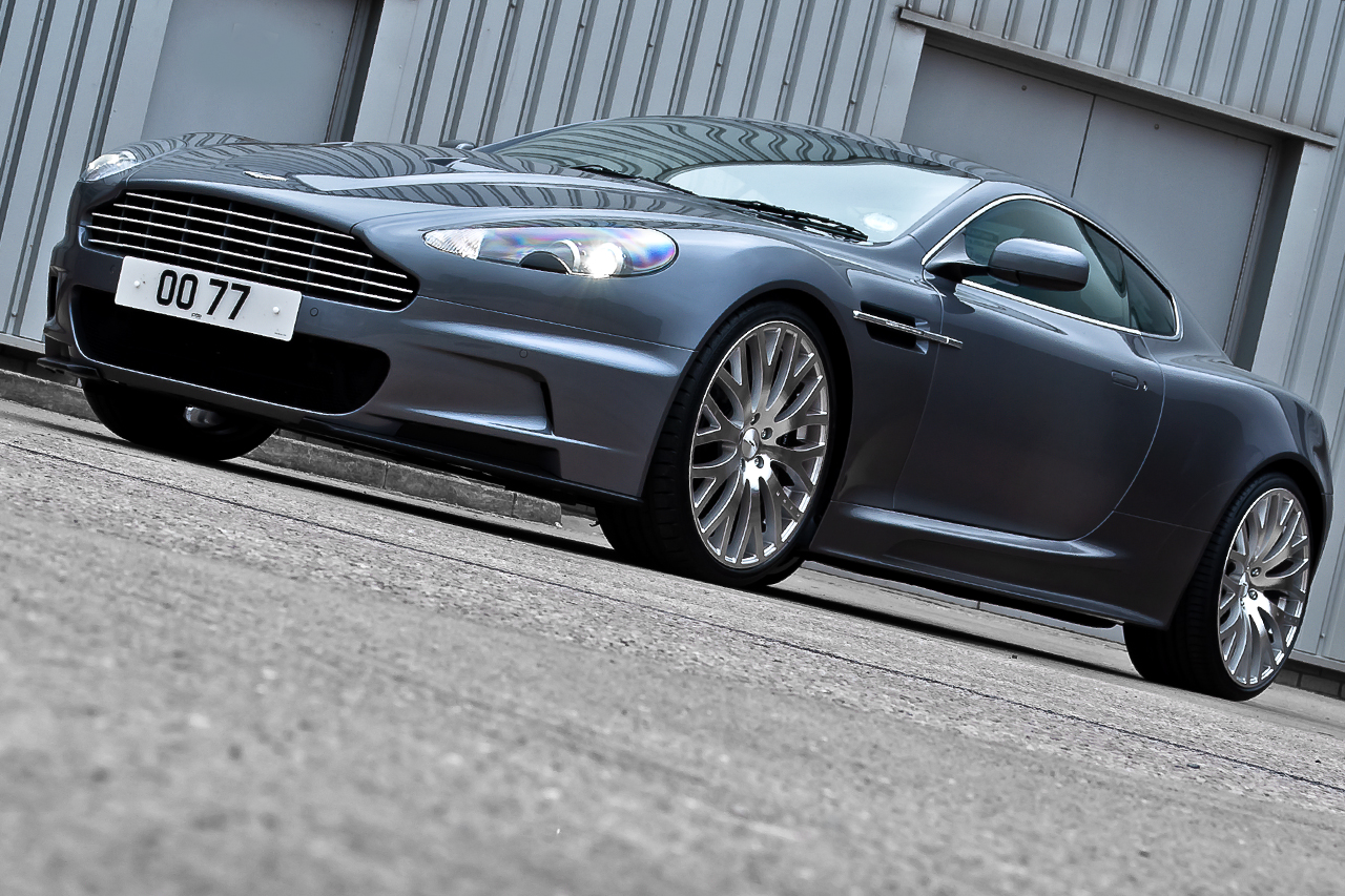 james bond aston martin casino royale