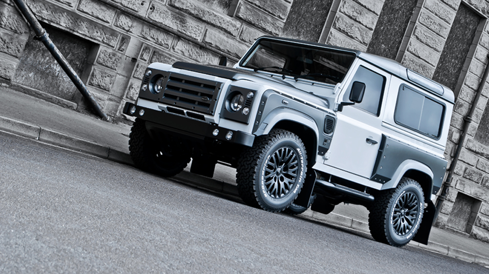Kahn Xs 90 Land Rover Defender Offroading In Style