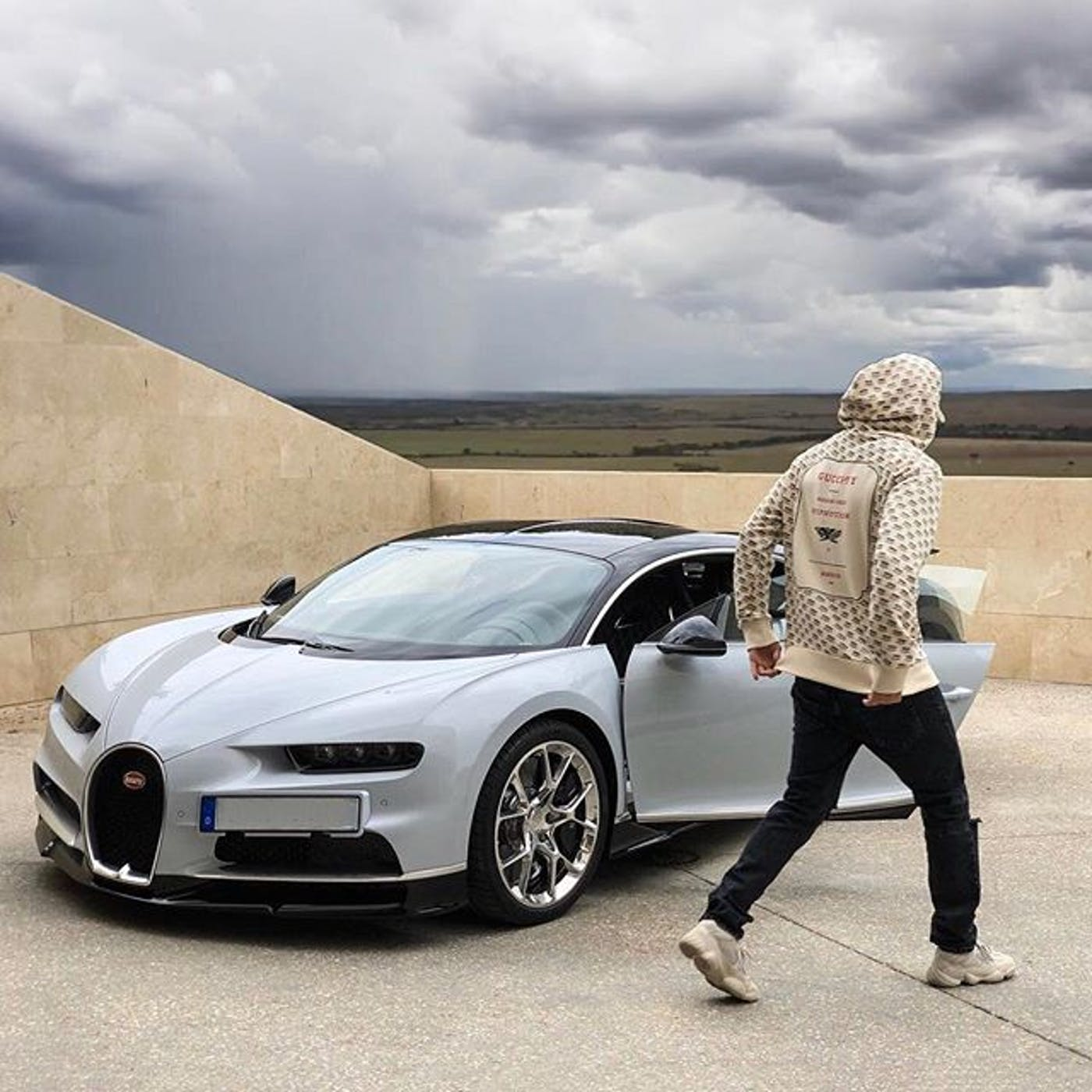 Bugatti Chiron: Karim Benzema's Bugatti Chiron Has This Awesome Spec