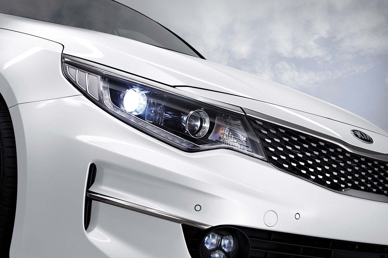 kia optima makes online debut before frankfurt with high class cabin and new tech autoevolution. Black Bedroom Furniture Sets. Home Design Ideas