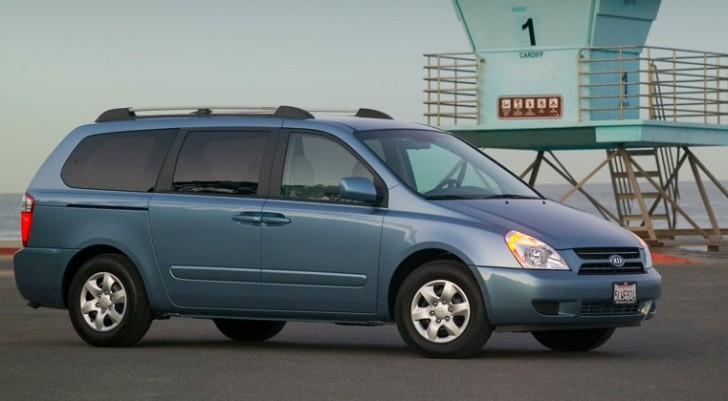 kia recalls 80 000 sedona minivans over corrosion issues. Black Bedroom Furniture Sets. Home Design Ideas