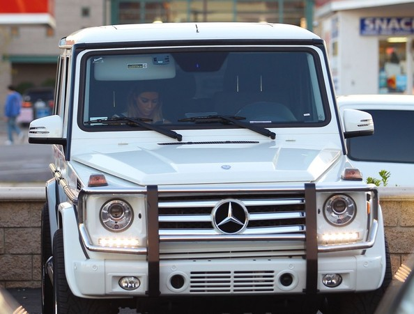 Kim kardashian and blac chyna spotted in tyga s mercedes g for Mercedes benz kardashian