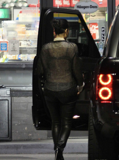 Audi Coffee Cup >> Kim Kardashian Spotted Gassing Her Range Rover - autoevolution