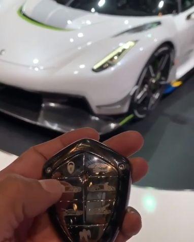 Koenigsegg Jesko Key Fob Is Amazing Looks Like A Piece Of Jewelry
