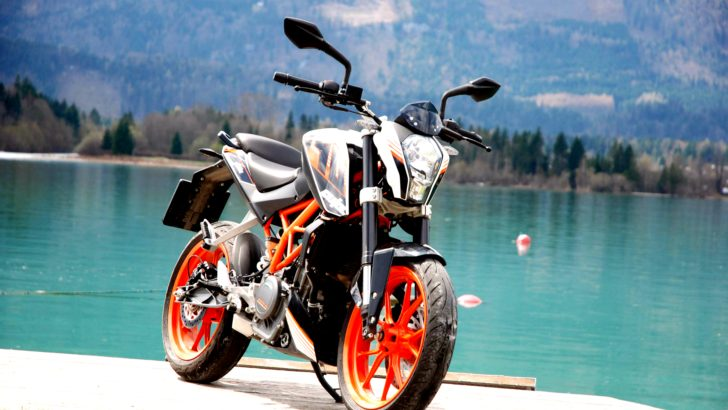 ktm 390 duke in all its splendor autoevolution. Black Bedroom Furniture Sets. Home Design Ideas